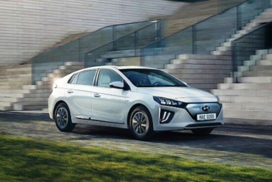 Ilustrasi Hyundai Bermitra dengan Uber (laxmihyudaicom)