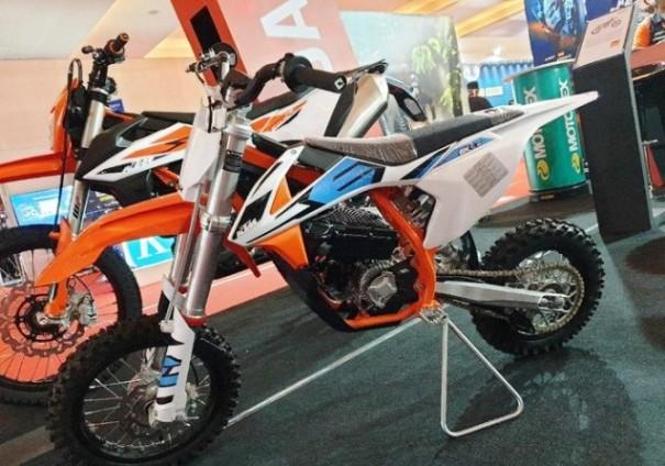 Motor Listrik KTM SX-E5, Trail Imut Seharga Rp119 Juta
