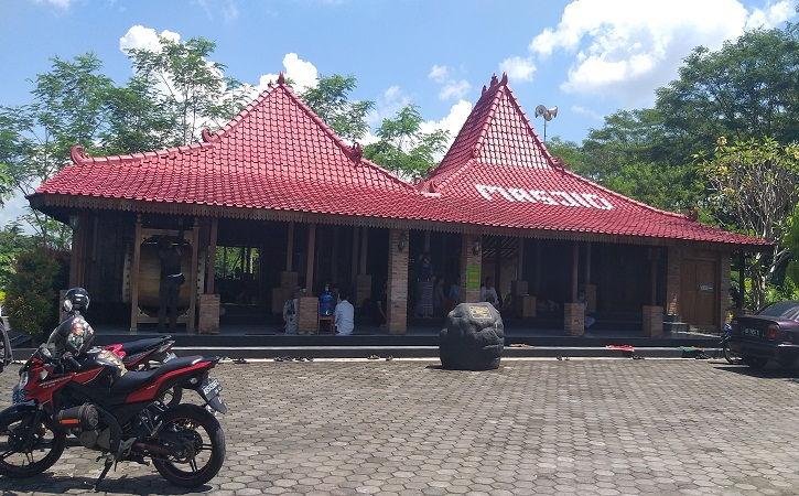 Masjid Joglo dengan Nuansa Njawani dan Tanpa Tembok di Karanganom Klaten, Ternyata Ini Filosofinya