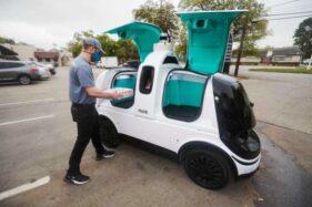 Pizza Domino's Luncurkan Robot untuk Kirim Makanan