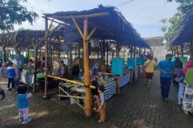 Unik! Pasar Pundensari Madiun Sajikan Kuliner Jadul dan Gunakan Uang Bambu