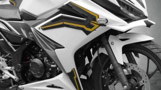Pelindung Bodi Honda CBR150R dan Yamaha MT15 Dijual Mulai Rp90.000