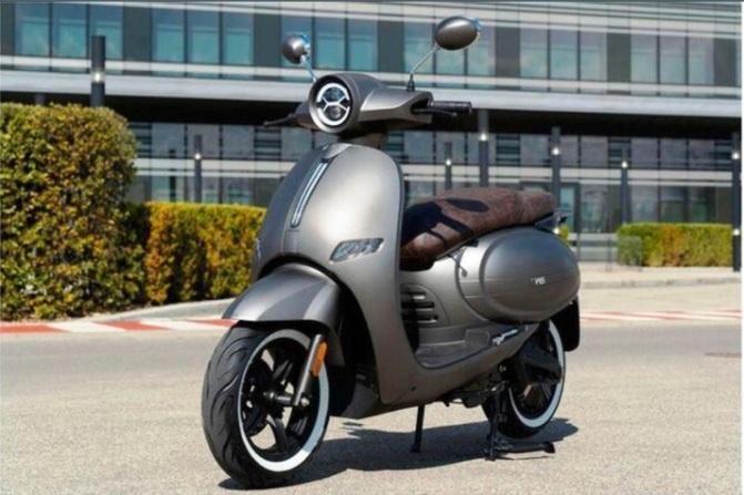 Pabrikan Motor Klasik Italia Ini Rilis Skuter Listrik W3 Saingi Vespa
