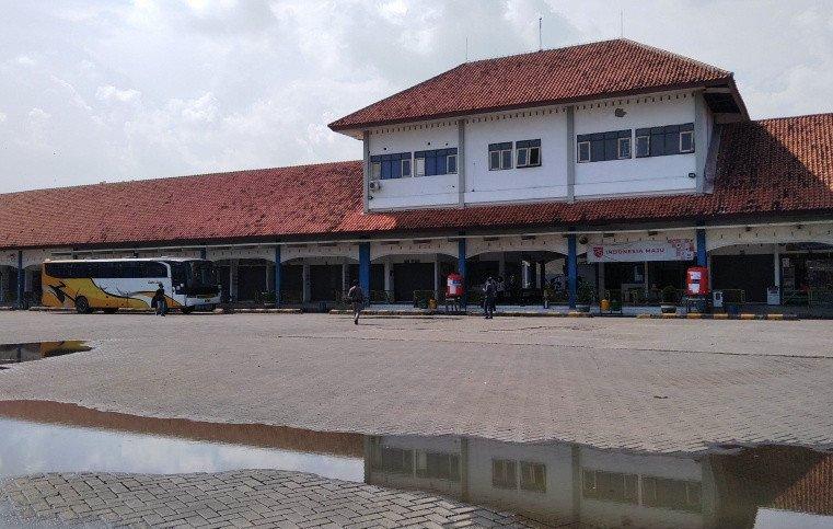 Terminal Induk Jati Kudus Masih Sepi Penumpang, Awak Bus Merana