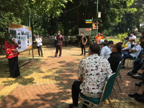Reses kunjungan Komisi V DPR RI ke Taman Balekambang, Sabtu (10/4/2021). (Solopos.com/Farida Trisnaningtyas)