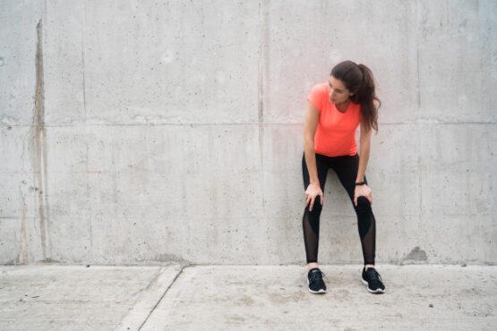 Ada mitos tubuh terasa lemas jika berolahraga saat puasa (ilustrasi/Freepik)