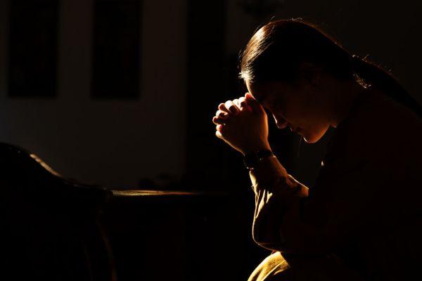 Saat Stres Memuncak, Mahasiswi Gemar Menyakiti Diri Sendiri