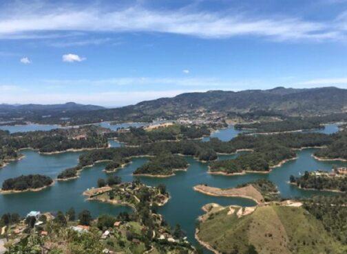 Keindahan Guatape Dam dari atas. (Instagram/@mutismoselectivo)
