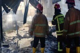 Gudang Ban Di Plumbon Sukoharjo Terbakar, 1 Mobil Ikut Hangus