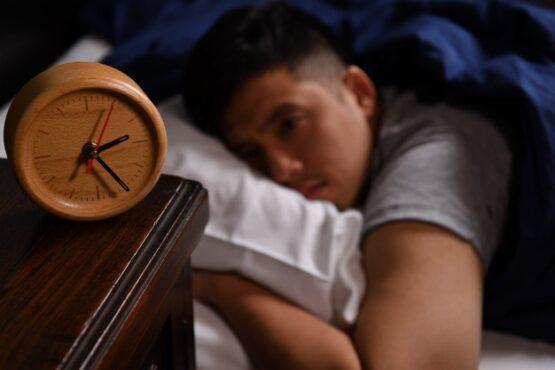 Jika ingin kembali tidur, tunggu setidaknya 2-3 jam setelah sahur (ilustrasi/Freepik)