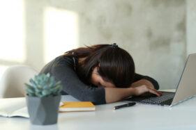 Tubuh Terasa Lemas Saat Puasa? Kenali Penyebabnya