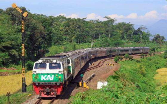 Jumlah penumpang kereta api (KA) jarak jauh masih stabil jelang larangan mudik Lebaran pada 6 - 17 Mei 2021. (Istimewa)