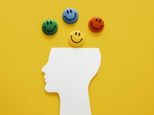 Tetap optimistis di masa sulit (ilustrasi/Freepik)