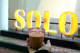 Ekspedisi KRL Solo-Jogja: Ngobrol Santai Sambil Wedangan & Ngopi di Solo Malam Hari