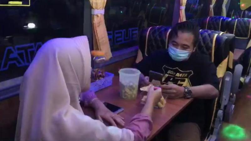 Wow! Bus Di Wonogiri Ini Tawarkan Sensasi Ngabuburit Dan Bukber Ala Restoran Berjalan
