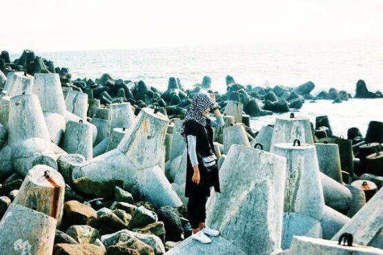 Pantai Glagah, Destinasi Wisata Alternatif di Kulonprogo dengan Pecahan Ombaknya yang Memesona