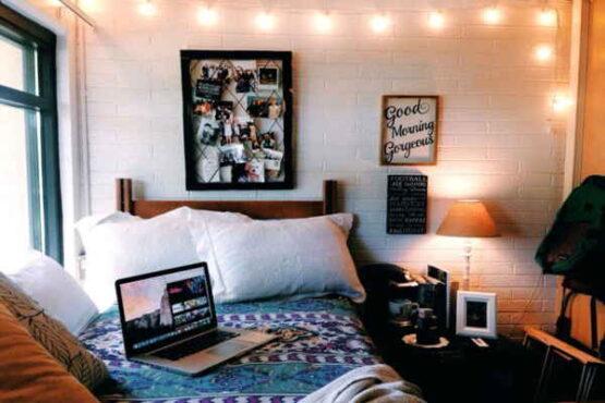 Ilustrasi dekorasi kamar menggunakan lampu tumblr( simdreamhomes.com)