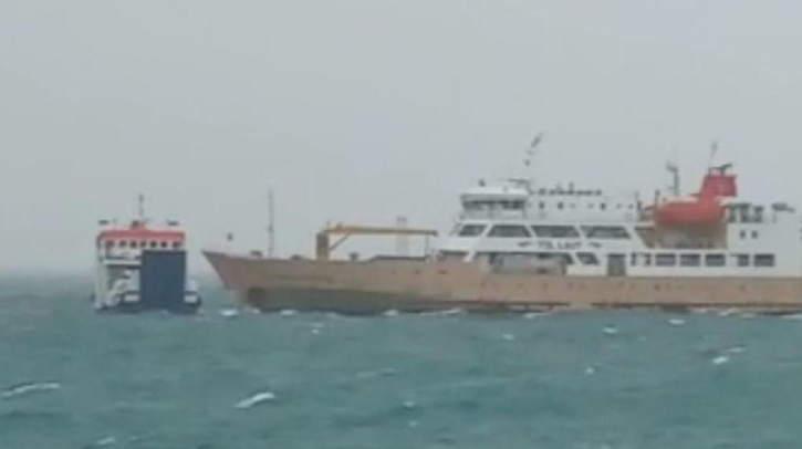 Gara-Gara Hanyut, Dua Kapal Motor Bertabrakan di Kupang