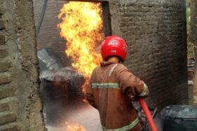 Kebakaran 5 Rumah di Tanon, 4 Warga Dilarikan ke RSUD