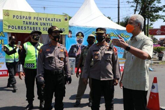 Pos Penyekatan Pemudik di Bekasi Jebol, Ganjar Minta Jateng Diperketat