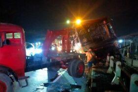 Rem Blong, Bus Jogja-Solo Tabrak Tiang Hingga Nangkring Di Pagar Pembatas Jalan Klaten