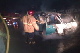 Mobil Pedagang di Pasar Gabugan Mendadak Hangus Terbakar