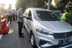 2.035 Kendaraan Berpelat Luar Daerah Diperiksa di Perbatasan Prambanan