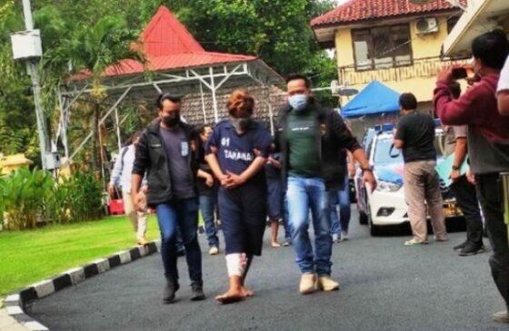 Daffa saat dibawa petugas di Mapolrestabes Semarang. (Detikcom)