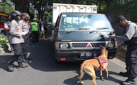Penyekatan Pemudik di Solo: 273 Kendaraan Diminta Putar Balik, Polisi Gunakan Anjing Pelacak