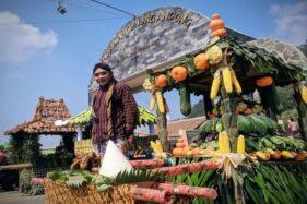Ada Potong Ayam Kampung Massal di Kirab Saparan Salatiga