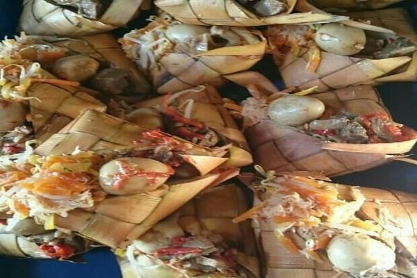 Bagi-Bagi Kupat Jembut di Tradisi Syawalan Khas Semarang
