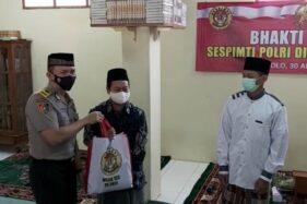 Lagi Sekolah, Mantan Kapolresta Solo Berkunjung ke Gus Karim