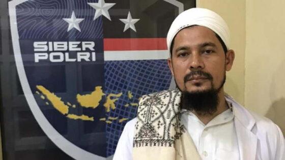 Eks Wakil KEtua FPI Aceh, W, yang memprovokasi masyarakat untuk menerobos penyekatan. (Istimewa/detik.com)