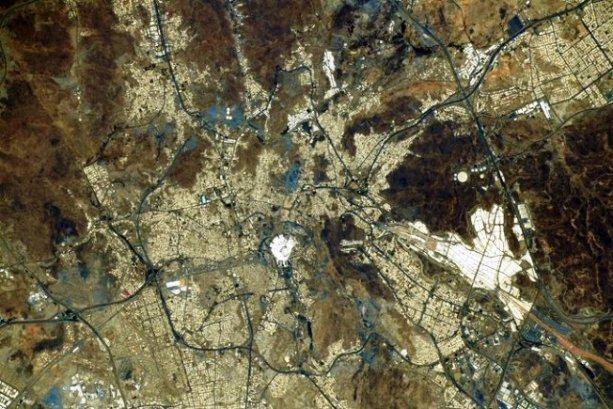 Masjidil Haram Difoto dari Luar Angkasa Oleh Astronaut Jepang