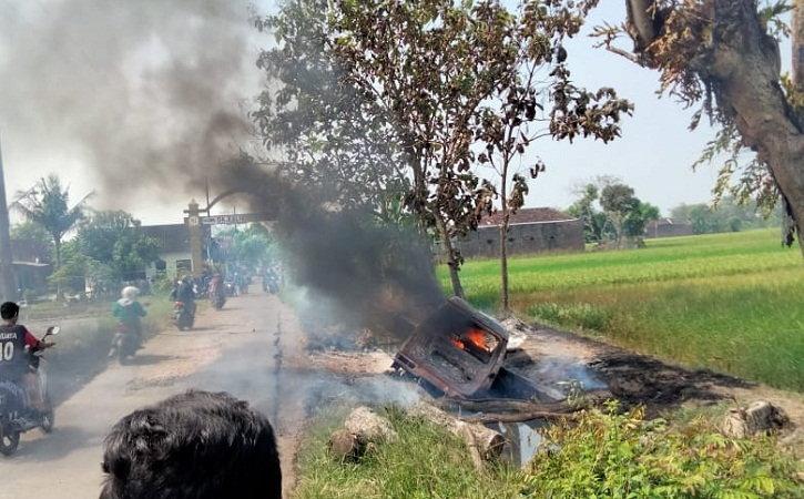 Angkut Bensin 600 Liter, Mobil Milik Warga Sukoharjo Ludes Terbakar di Desa Gunting Klaten
