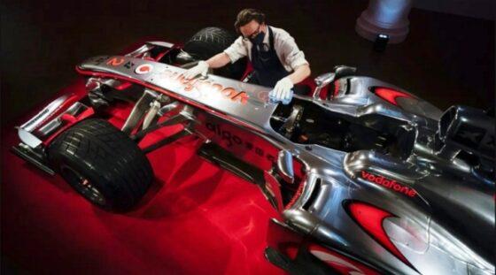 Mobil balap McLaren Lewis Hamilton (Liputan6.com)