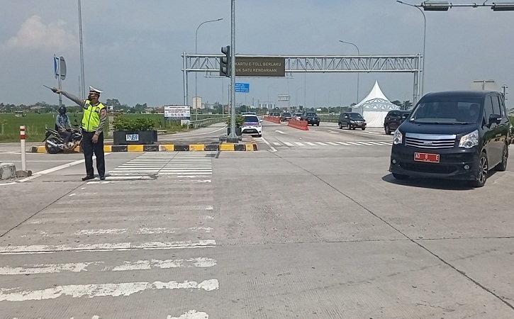 Hari Pertama Larangan Mudik, Jumlah Pengguna Jalan di Sragen Landai