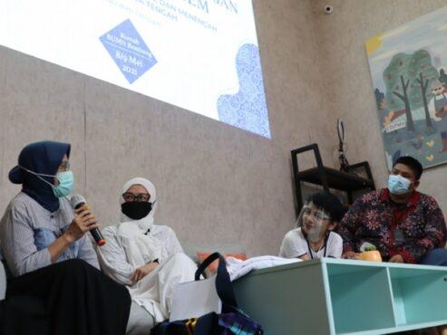 Kepala Dinas Koperasi dan UKM Jateng Ema Rachmawati mengapreasi SG yang antusias dan tanggap untuk berkolaborasi dalam kegiatan pendampingan DNA brand dan pelatihan strategi pengembangan bisnis batik Lasem di tengah persaingan industri kreatif. (Istimewa)