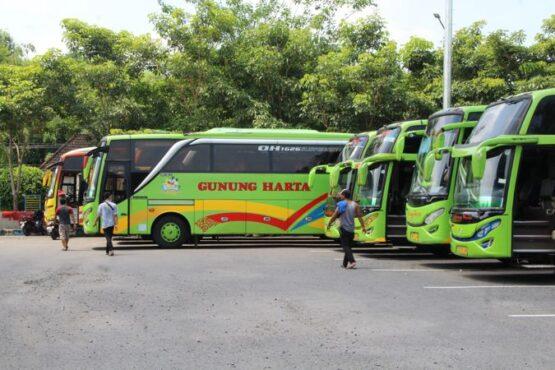 Suasana Terminal Ir Soekarno Klaten sepi pada hari pertama diberlakukan larangan mudik Lebaran, Kamis (6/5/2021). (Espos/Taufiq Sidik Prakoso)