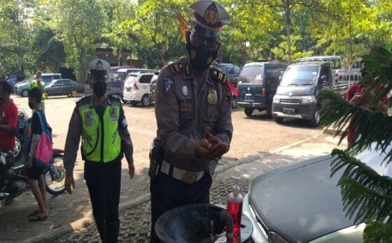 Pantau Objek Wisata Air di Klaten, Polisi Pun Taati Protokol Kesehatan