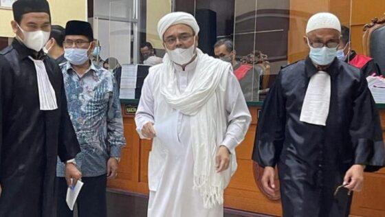 Habib Rizieq Dituntut 10 Bulan Penjara Kasus Kerumunan Megamendung