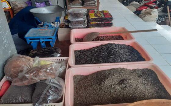 Bahan-bahan jamu yang dijual di Pasar Jamu Nguter, Sukoharjo, Selasa (25/5/2021). (Bony Eko Wicaksono/Solopos)