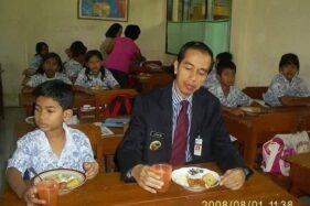 Viral Foto Jokowi Saat Jadi Wali Kota Solo, Menu Makanannya Curi Perhatian