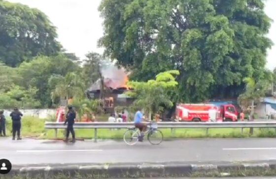 Video Kebakaran di Barat Taman Balekambang Solo, Lebih dari 6 Pemadam Merapat