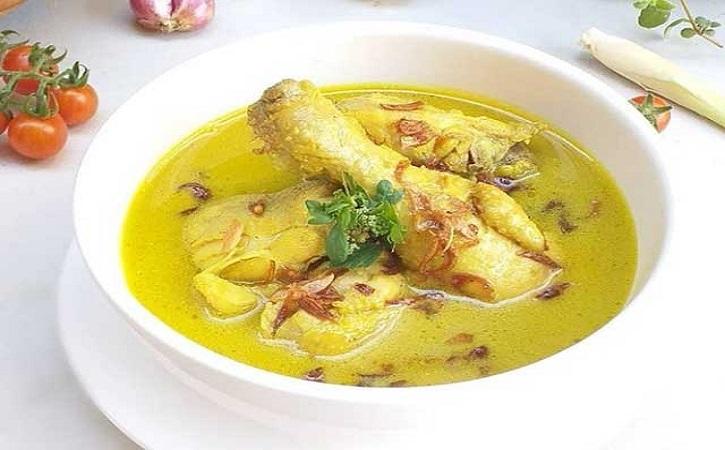 Asal Usul Opor Ayam, Kuliner Perpaduan 3 Budaya yang Spesial di Solo
