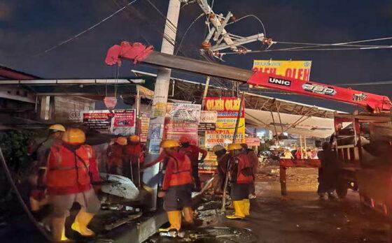 Hujan Deras di Semarang, PLN Gerak Cepat Atasi Gangguan Padam
