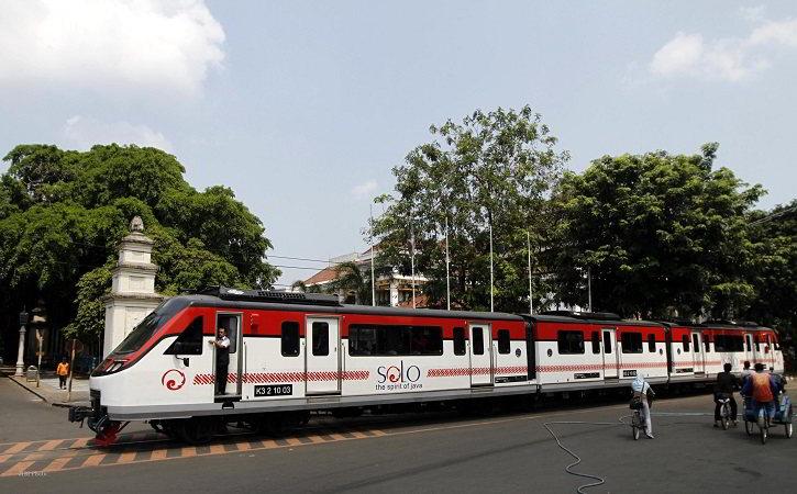 Kronologi Railbus Bathara Kresna Nyerempet BST di Jl Slamet Riyadi Solo
