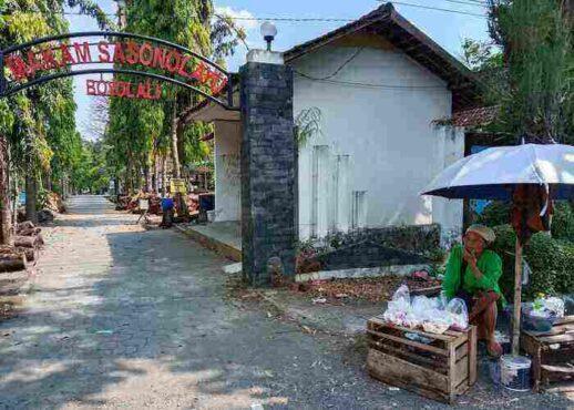 Penjual Bunga Tabur di Sonolayu Boyolali Sepi Pembeli