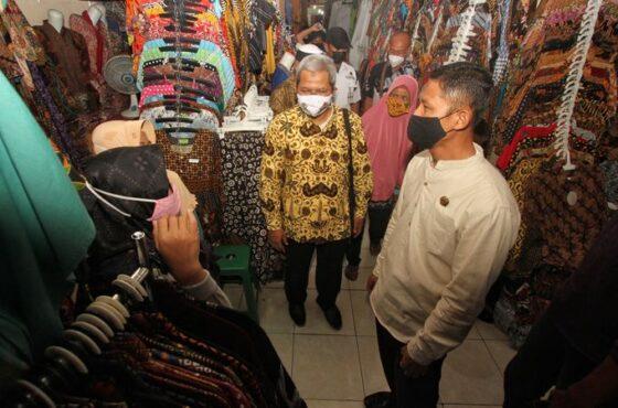 Sidak, Legislator DPRD Solo Temukan Sederet Masalah Ini Di Pasar Klewer Solo