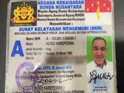 SIM Negara Kekaisaran Sunda Nusantara milik pengemudi Pajero yang diberi tilang di tol Cawang. (dok/Polda Metro Jaya)